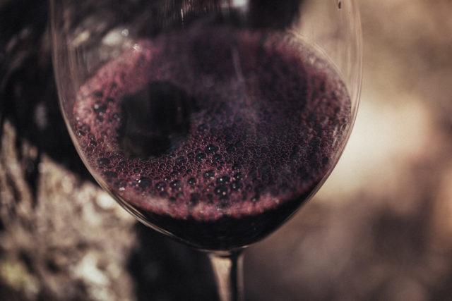 copa-con-vino-tinto-3
